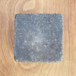 Zoom sur un pavé Hydra Noir 15 x 15 x 8 cm